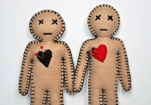 Куклы Вуду на любовь: приворот и отворот с куклой вуду